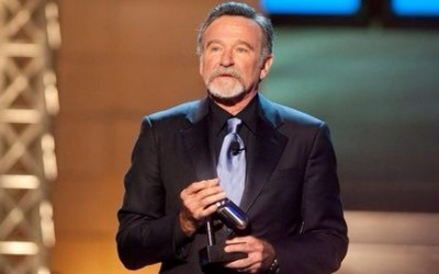 Robin Williams : Réglage fin («fine tuning») aux Anonymes